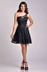 One-Shoulder A-Line Short Lace Bridesmaid Dress With Slim Satin Sash