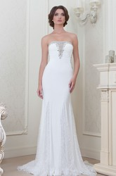 A-Line Beaded Strapless Sleeveless Floor-Length Lace Evening Dress With Appliques