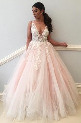 Sleeveless Floor-length Ball Gown V-neck Lace Tulle Dress