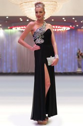 Sheath Sleeveless One-Shoulder Maxi Beaded Chiffon Prom Dress With Ruching And Split Front