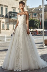 A-Line Sweetheart Appliqued Floor-Length Sleeveless Tulle Wedding Dress