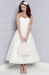 A-Line Tea-Length Sleeveless Strapless Appliqued Tulle Wedding Dress With Waist Jewellery