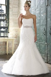 Mermaid Halter Floor-Length Appliqued Sleeveless Lace Wedding Dress With Waist Jewellery And Backless Style
