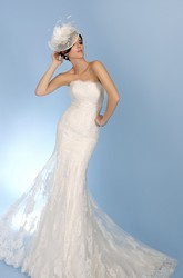 Trumpet Strapless Appliqued Floor-Length Sleeveless Lace Wedding Dress With Backless Style And Pleats