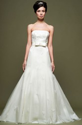 Floor-Length Strapless Appliqued Satin Wedding Dress With Court Train And V Back