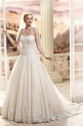 A-Line Maxi Sweetheart Lace Wedding Dress With Appliques And Court Train