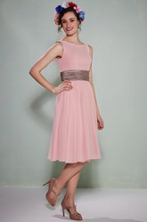 Knee-Length Scoop Neck Sleeveless Chiffon Bridesmaid Dress With Low-V Back