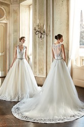 Ball Gown V-Neck Appliqued Floor-Length Sleeveless Tulle&Lace Wedding Dress With Waist Jewellery