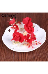 Bride Red Headdress Korean Sweet Temperament Simple Velvet Rose Tasting Dress