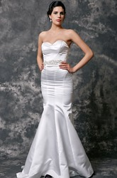 Sweetheart Sleeveless Mermaid Satin Wedding Dress With Beaded Waist
