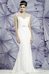 Sheath V-Neck Sleeveless Lace Wedding Dress With Waist Jewellery And Keyhole