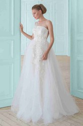 A-Line Sleeveless Floral Long Tulle Wedding Dress With Appliques