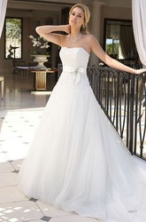 A-Line Appliqued Sleeveless Long Strapless Tulle Wedding Dress With Bow