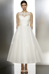 Tea-Length A-Line Appliqued Jewel Neck Sleeveless Tulle Wedding Dress