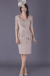 Elegant Chiffon V-neck Knee-length Half Sleeve Mother of The Bride Dress