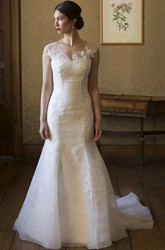 Trumpet Cap-Sleeve Long V-Neck Appliqued Lace&Organza Wedding Dress