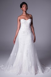 A-Line Appliqued Maxi Sweetheart Sleeveless Lace&Tulle Wedding Dress