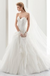 Sweetheart Appliques Lace Bridal Gown With Ruffles And Court Train