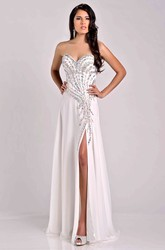 Crystal Detailed Sweetheart Chiffon A-Line Prom Dress With Side Slit