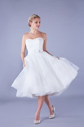Simple Organza A-line Strapless Belt Knee-length Ruched Wedding Dress