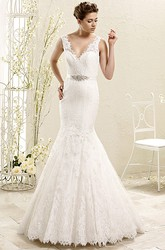 Mermaid Floor-Length V-Neck Appliqued Sleeveless Lace Wedding Dress With Waist Jewellery