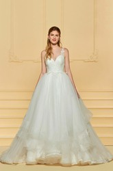 Sleeveless Adorable Ruflled Lace Cute Wedding Dress With Illusion Button Back