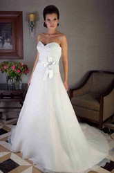 A-Line Appliqued Sweetheart Floor-Length Tulle&Satin Wedding Dress With Bow And Corset Back