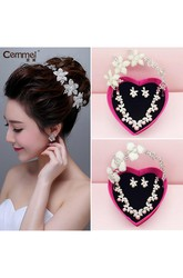 Bride Crown Headdress Three - Piece Wedding Accessories Korean Pearl Necklace Earrings Suit