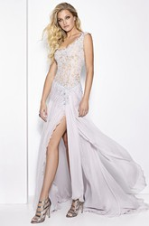 Sheath Cap-Sleeve V-Neck Appliqued Maxi Lace Prom Dress With Split Front And Ruching