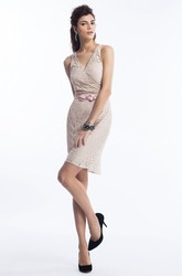 V-Neck Sleeveless Short Lace Sheath Bridesmaid Dress With Bow
