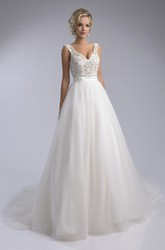 V-Neck Tulle Sleeveless Wedding Dress With Rhinestones And Pearls