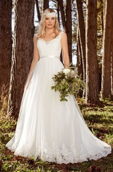 Chiffon A-line Straps Court Train Wedding Dress with Lace and Applique