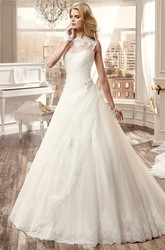 Sleeveless Long Wedding Dress With Appliques And Court Train