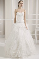 A-Line Sweetheart Maxi Beaded Tulle Wedding Dress With Ruffles And V Back