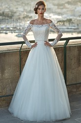 A-Line Off-The-Shoulder Appliqued Floor-Length Long-Sleeve Tulle&Lace Wedding Dress