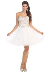 A-Line Short Sweetheart Sleeveless Tulle Lace-Up Dress With Appliques And Lace