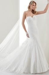 Sweetheart Sheath Brush-Train Lace Bridal Gown With Mermaid Style And Open Back