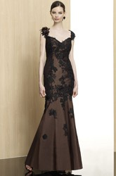 Trumpet Cap-Sleeve Long Appliqued Formal Dress With Deep-V Back