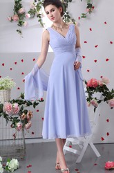 Elegant Chiffon V-Neck Tea-Length Mother of the Bride Dress with Criss-Cross Ruching