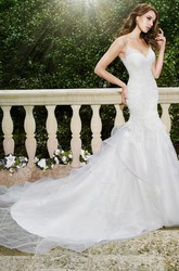 Mermaid Floor-Length Appliqued Spaghetti Sleeveless Lace&Tulle Wedding Dress With Chapel Train And Backless Style
