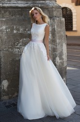 Ethereal Scoop-neck Sleeveless Corset Back Wedding Dress with Applique and Bow