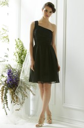 A-Line One-Shoulder Short Sleeveless Chiffon Bridesmaid Dress With Ruching And Straps