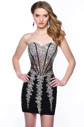 Sequined Sweetheart Short Form-Fitted Homecoming Dress With Illusion Style