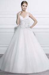 Ball-Gown Appliqued Sleeveless Strapless Floor-Length Tulle Wedding Dress With Flower And Low-V Back
