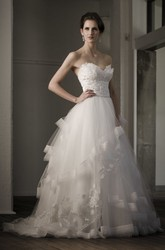 Sweetheart Long Appliqued Tulle Wedding Dress With Sweep Train And V Back