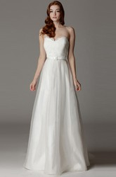 Sweetheart Long Appliqued Satin&Tulle Wedding Dress With Ribbon