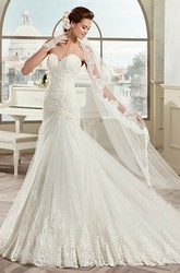 Sweetheart Lace Sheath Wedding Gown with Appliques and Lack-up Back