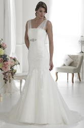 A-Line Appliqued Long V-Neck Sleeveless Lace&Tulle Wedding Dress With Low-V Back And Waist Jewellery