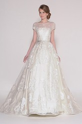 Ball Gown Long Bateau-Neck Short-Sleeve Lace Wedding Dress With Appliques And V Back