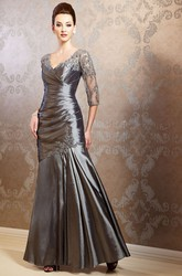 3-4 Sleeved V-Neck Taffeta Gown With Appliques And Pleats